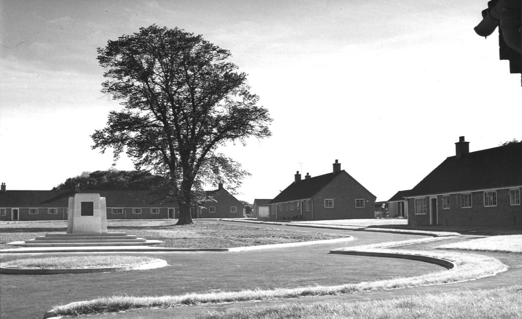 Anges Hunt Village Bungalows 1956