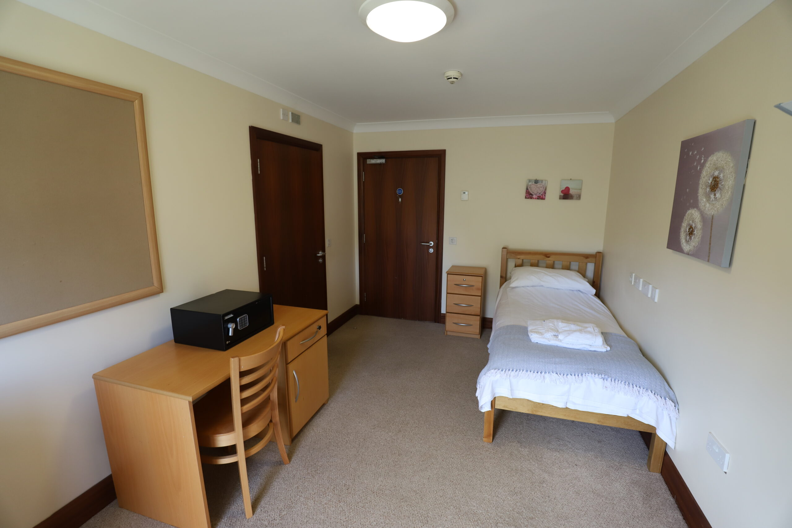 Short breaks at Derwen: bedroom